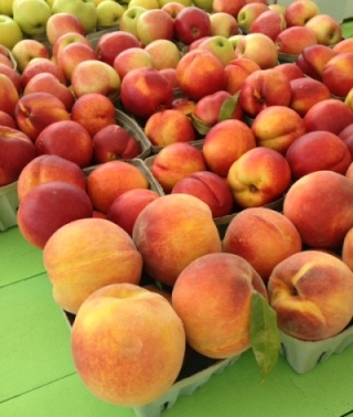 Produce stand peaches